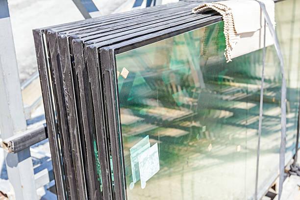 double glazing thermal pane glass - fensterbauer stock-fotos und bilder