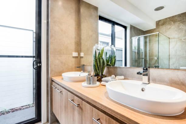 Doppelte Eitelkeit ein neues Badezimmer – Foto
