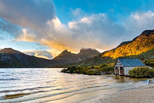 Dove Lake Cradle Mountain Tasmania Australia Boat House Stock Photo - Download Image Now
