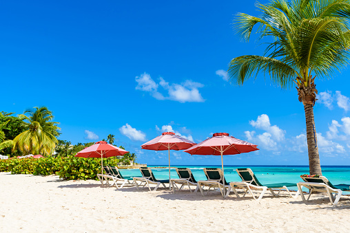 Dover Beach Tropical Beach On The Caribbean Island Of Barbados It Is A Paradise Destination With A White Sand Beach And Turquoiuse Sea Stock Photo - Download Image Now
