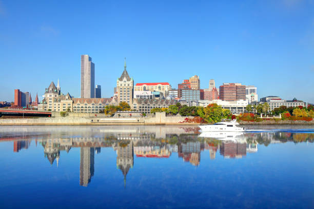 Downtown Albany skyline along the Hudson River Albany is the capital city of the US state of New York and is known for its culture, history, architecture, and institutions of higher education albany county new york state stock pictures, royalty-free photos & images