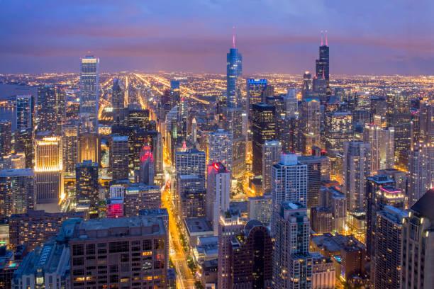 downtown chicago vom john hancock tower - hohe warte stock-fotos und bilder