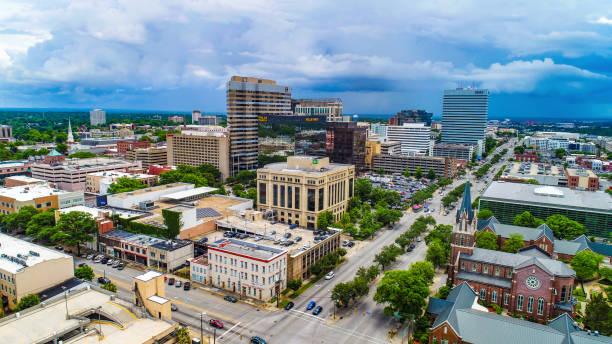 コロンビア、サウスカロライナ州 sc のダウンタウンのスカイライン空中 - コロンビア ストックフォトと画像