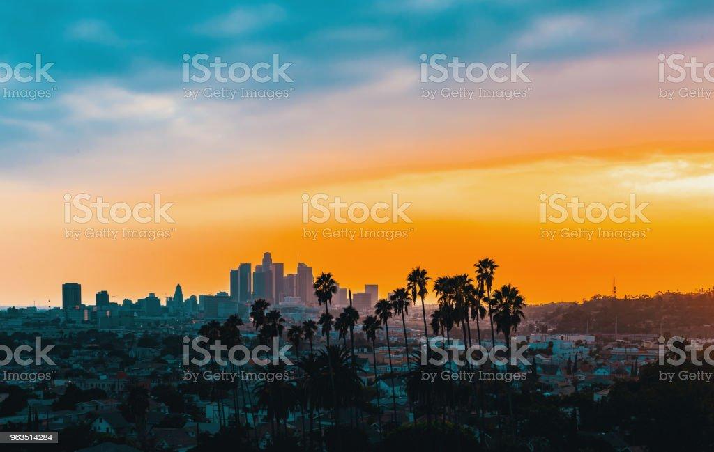 해질녘 다운 타운 로스 앤젤레스 스카이 라인 - 로열티 프리 0명 스톡 사진
