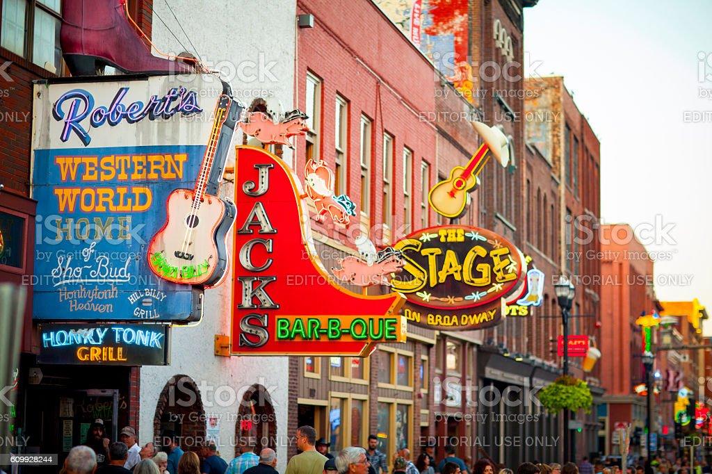 Downtown Nashville music entertainment establishments - foto de acervo