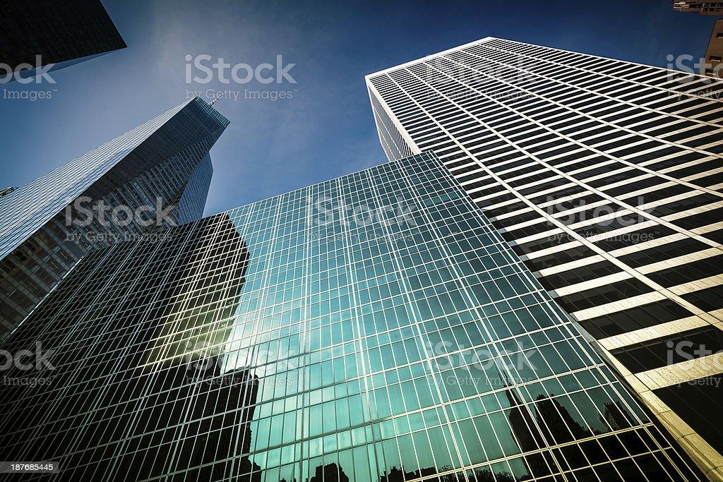 Bureau moderne en stratifié et verre interencheres