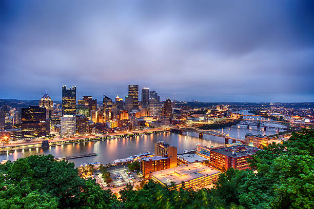 Downtown Pittsburgh, Pennsylvania Downtown Pittsburgh, Pennsylvania in the evening. pittsburgh stock pictures, royalty-free photos & images