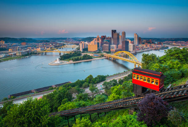 Downtown Pittsburgh, Pennsylvania Pittsburgh, Pennsylvania, River, sunset, 2014 pittsburgh stock pictures, royalty-free photos & images