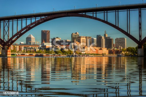 istock Downtown St. Paul framed by the High Bridge 187036816
