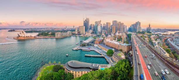 Skyline da baixa de Sydney em Austrália - foto de acervo