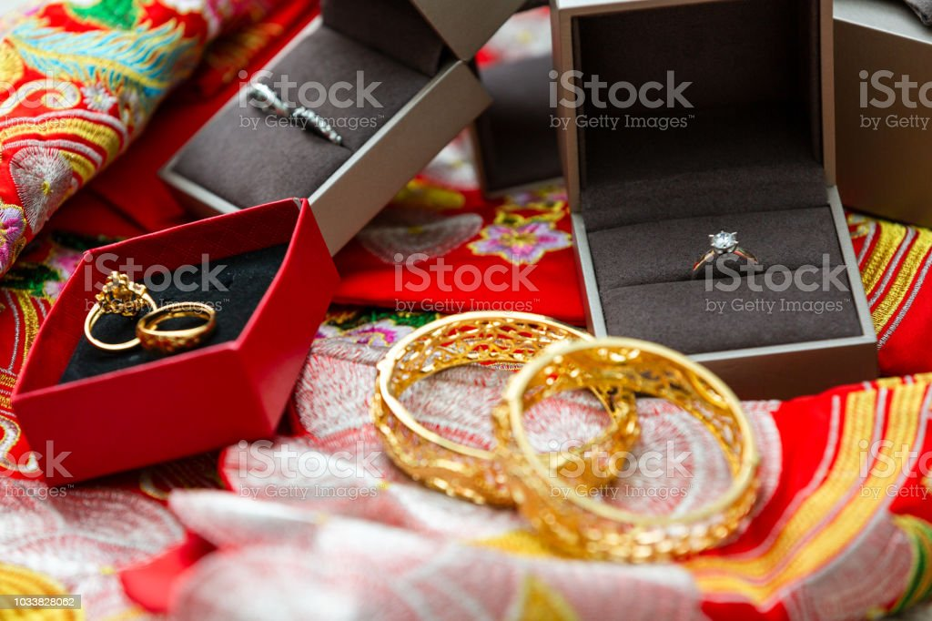 Dowry For Chinese Weddings Gold Ring Gold Bracelet Ring Diamond Ring