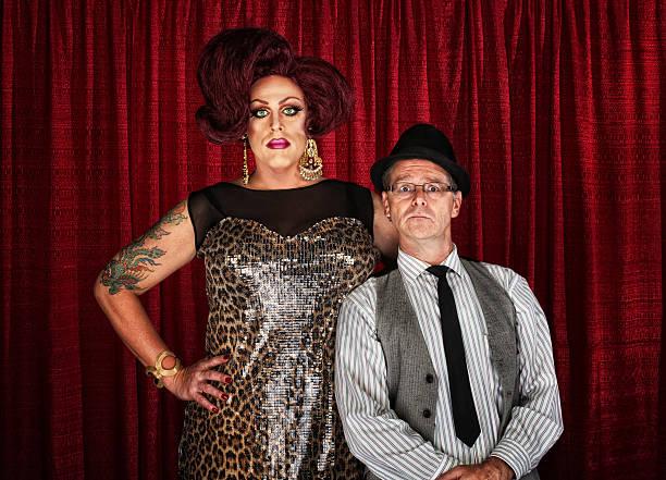 drag queen and retro man - drag queen stockfoto's en -beelden