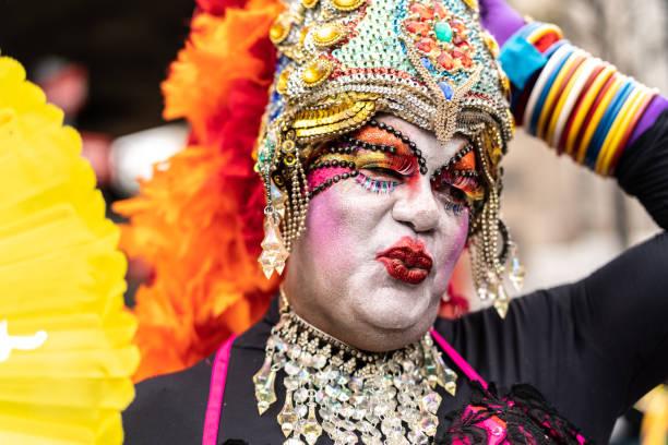 portret van drag-queen - drag queen stockfoto's en -beelden