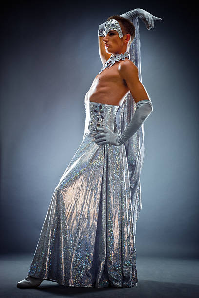 drag queen posing - drag queen stockfoto's en -beelden