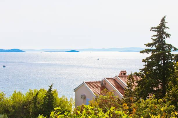 Drage, Zadar, Kroatien-Schöne Hintergrundbeleuchtung an der Küste von Drage – Foto