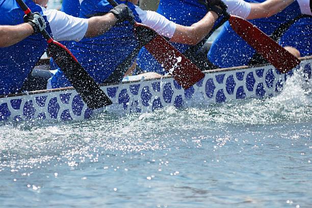 ドラゴンボート - パドルスポーツ ストックフォトと画像