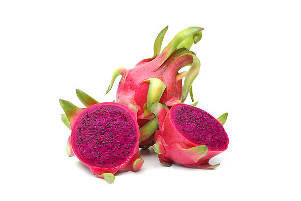 dragon fruit isolado - fruto do cacto - fotografias e filmes do acervo
