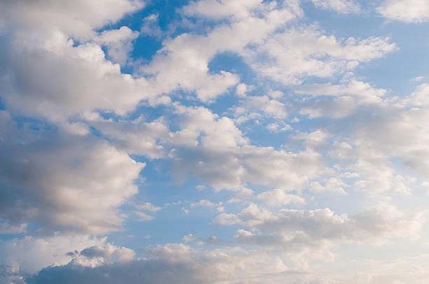 Espectacular cielo nublado - foto de stock