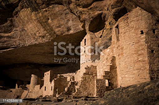 Cliff Palace cliff dwelling inhabited until the 13th century by Ancient Puebloans (Anasazi), Mesa Verde National Park, Colorado, USA