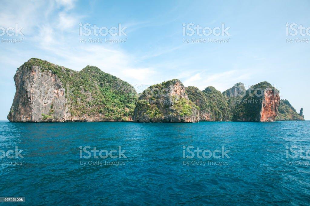 Dramatischen Inseln über Meer – Foto