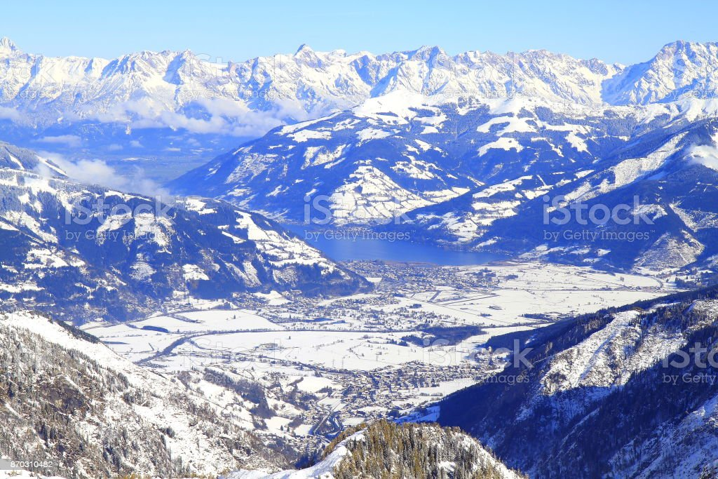 Dramatic Kitzsteinhorn snowcapped Alpine landscape in Austrian hohe tauern Tirol, above Kaprun and Zell am See mountain range - Majestic Tyrol Kitzbühler Snowcapped mountains panorama and Idyllic Tirol alps, Austria stock photo