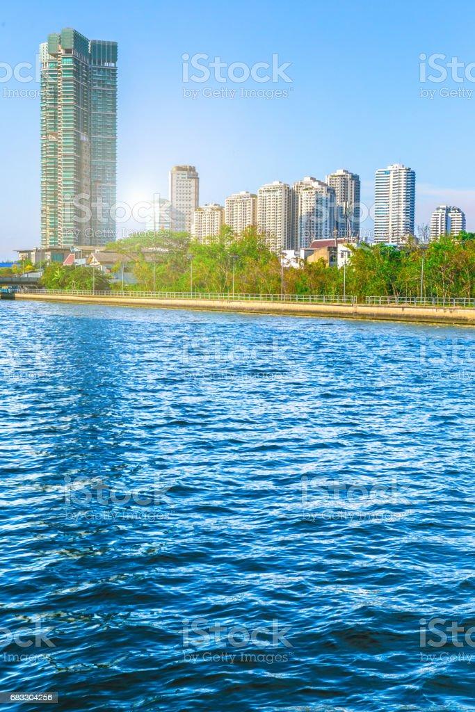 coucher de soleil spectaculaire ou lever de soleil à Bangkok Thaïlande, d'Asie, Résumé bleu de la mer l'eau pour le fond photo libre de droits