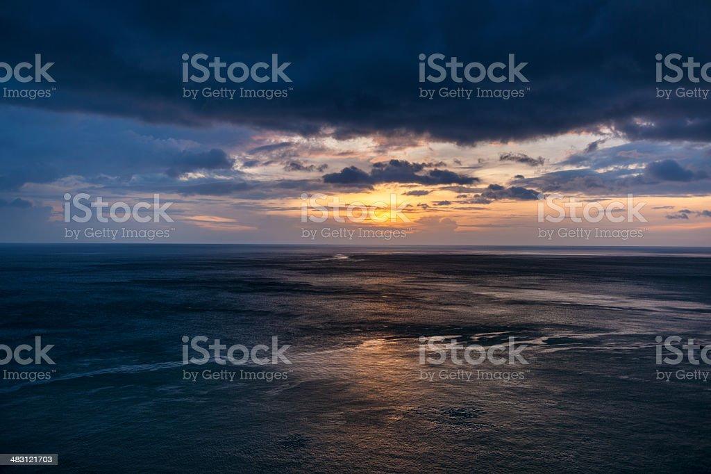 Dramatische tropischen Sonnenuntergang – Foto