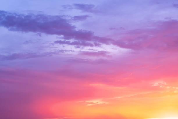 драматический сумерки облачный закат / восход солнца - sunset стоковые фото и изображения