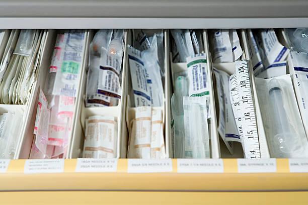 draw of medical supplies - sjukvårdsrelaterat material bildbanksfoton och bilder