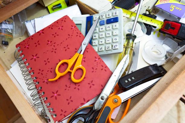 drawer clutter - desarrumação imagens e fotografias de stock