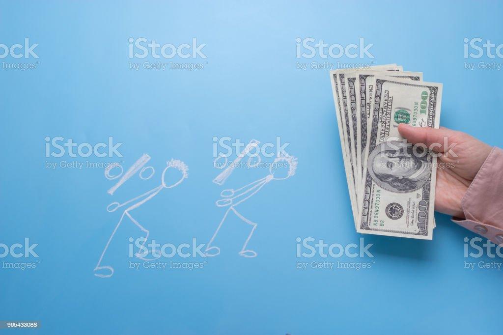 dessin de personnes portent argent - Photo de Activité bancaire libre de droits