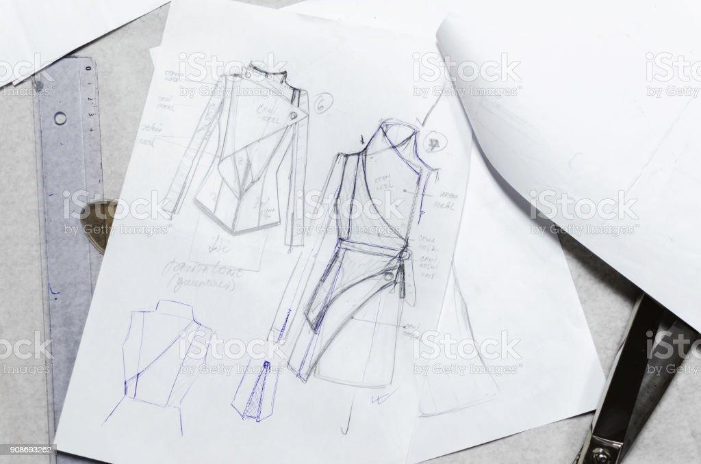desenho esboços no papel, designer de moda - foto de acervo