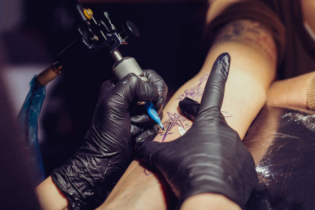 tekening tattoo ontwerp - tatoeage stockfoto's en -beelden