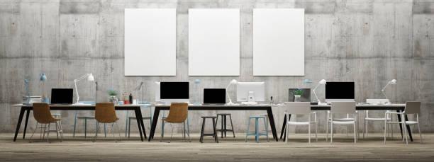 Sonho trabalho espaço de escritório, três Fals poster na parede de concreto - foto de acervo