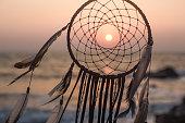 ドリームキャッチャーでサンセットオンザビーチで、インド、ゴア