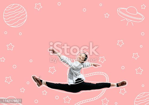 istock Dreaming to explore space 1142176521