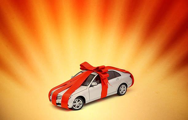 traumhafte geschenk - autoschleifen stock-fotos und bilder
