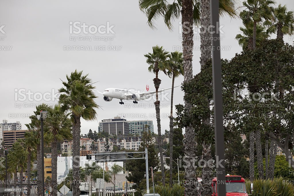 787 Dreamliner On Approach royalty-free stock photo