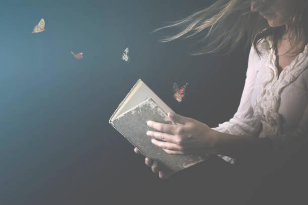 Träume sind Schmetterlinge verwandelt und ein magisches Buch herauskommen – Foto