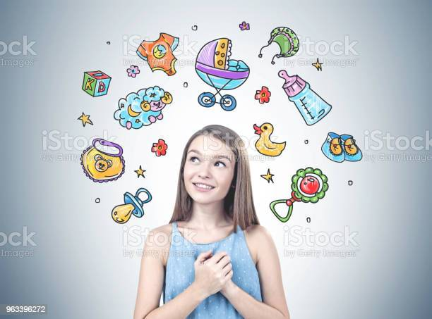 Marzycielska Młoda Dziewczyna Chce Dziecka - zdjęcia stockowe i więcej obrazów Kobiety