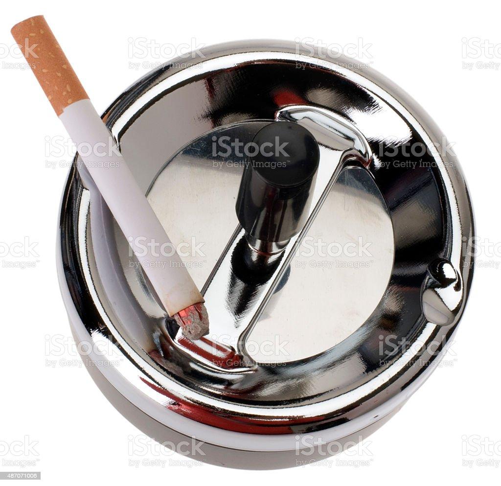 Drehaschenbecher mit Zigarette stock photo