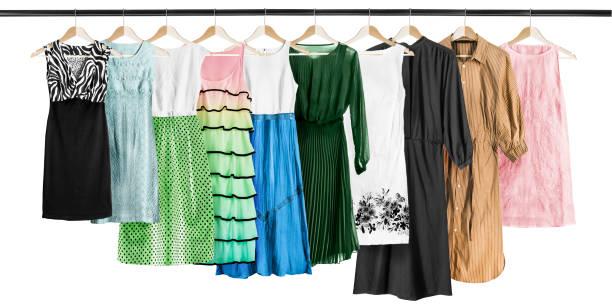Vestidos en ropa - foto de stock