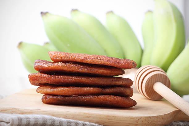 getrocknete banana - gebackene banane stock-fotos und bilder