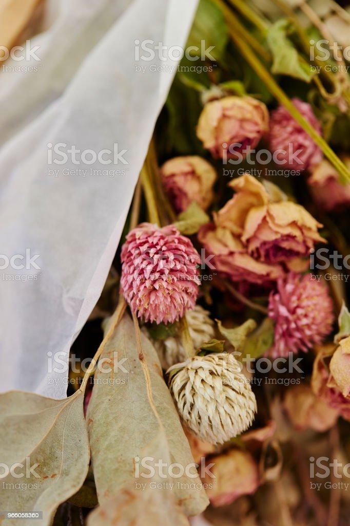 Torkade blommor - Royaltyfri Blomkorg - Blomdel Bildbanksbilder