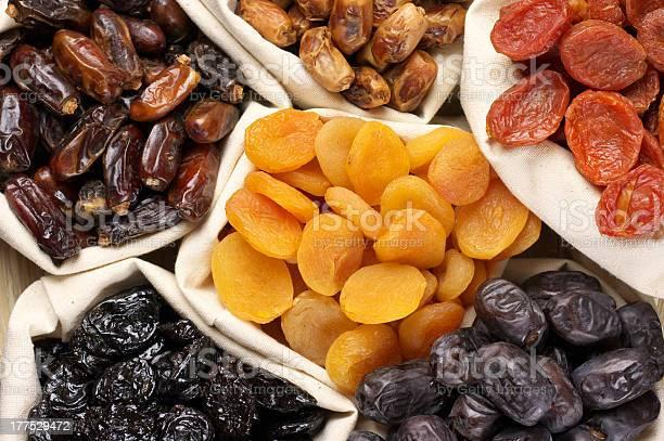 Frutas Secas Foto de stock y más banco de imágenes de Sin personas
