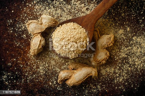 dried ginger  and ground ginger, close up