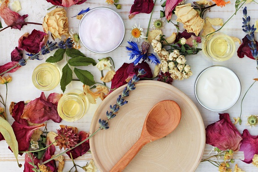 Dried herb mix and moisturizers
