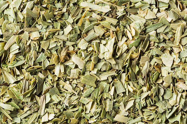 dried tarragon leaf - tarragon stock photos and pictures