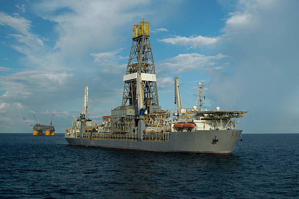 Drill ship and offshore production platform