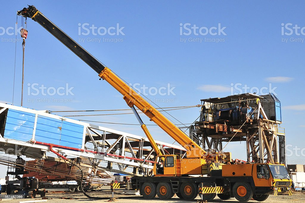 Drilling Rig Rigging Down Stock Photo & More Pictures of